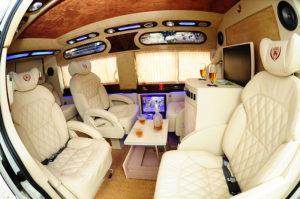 limousine dcar luxury car transfer service in hoian