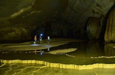 Paradise cave - Dark cave tour