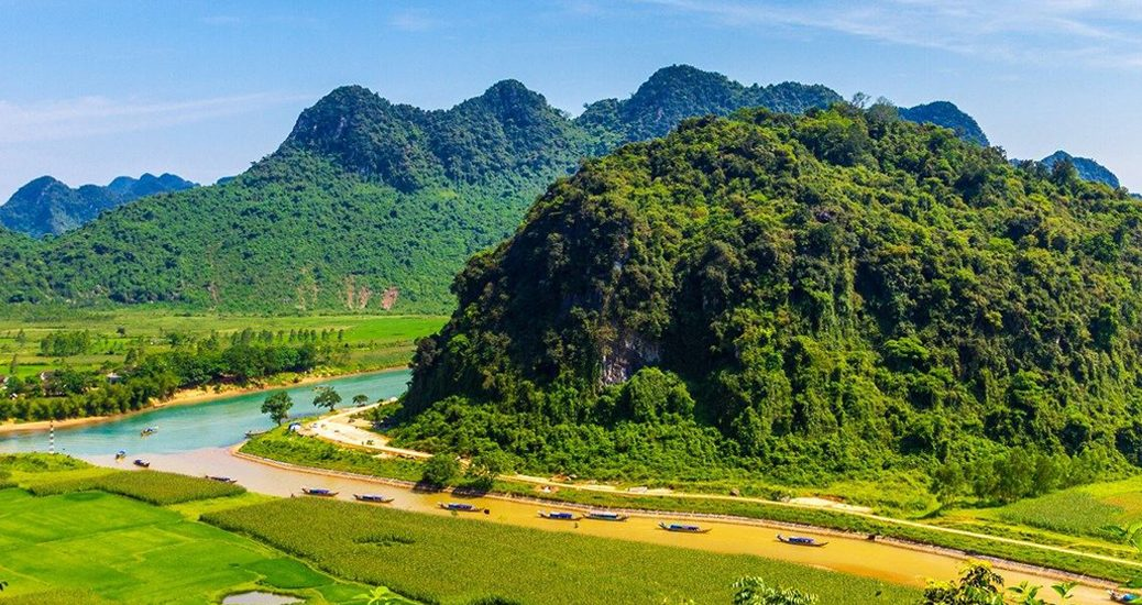 Phong Nha jungle trek adventure wildlife 2D1N