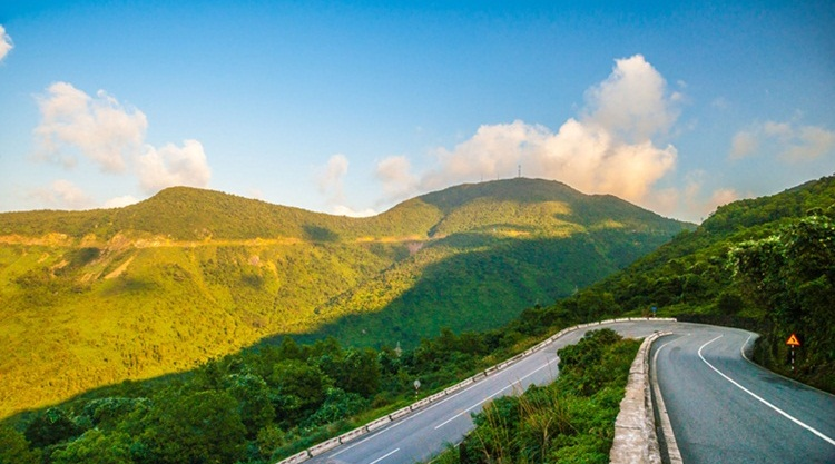 Da Nang to Hue by private car