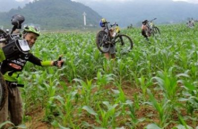 Phong Nha cycling with Dark Cave